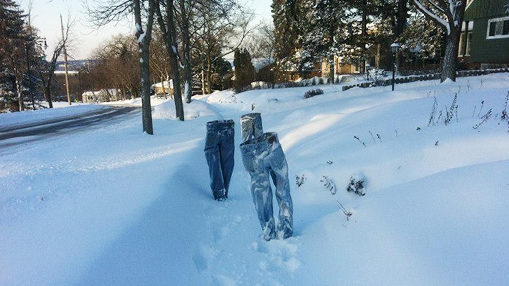 Il fait si froid aux États-Unis que les vêtements tiennent debout tout seuls !
