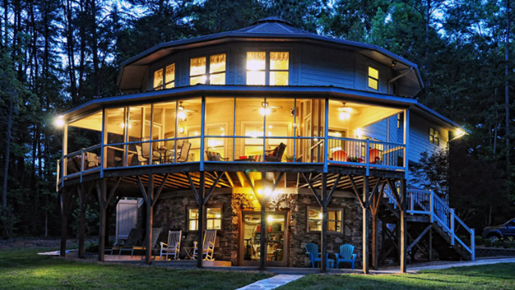 Des maisons rondes et design qui résistent aux ouragans