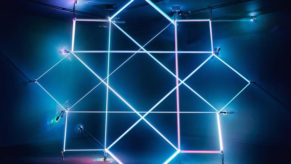Les constructions lumineuses de James Nizam