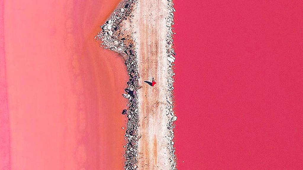 Le lac rose de l'Australie
