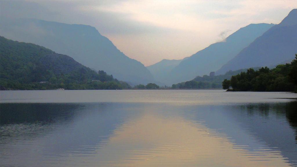 Aux États-Unis, un lac asséché dévoile un village oublié