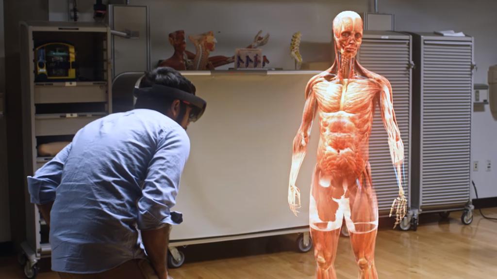 Etudiez le corps humain avec des hologrammes en 3D