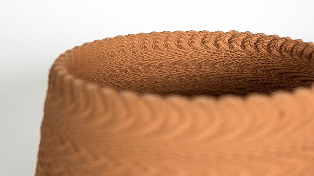 Une imprimante 3D imprime des chansons en céramique