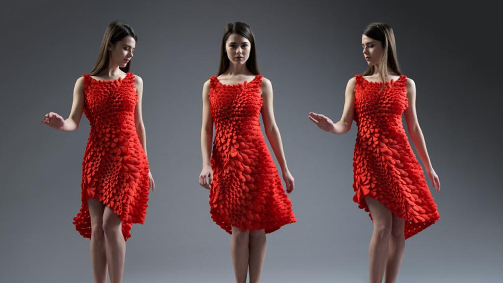 La robe en 3D aux pétales de roses