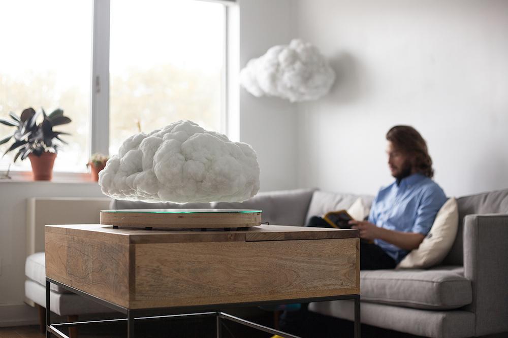 L'enceinte cachée dans un nuage