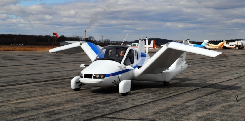 La voiture volante a décollé