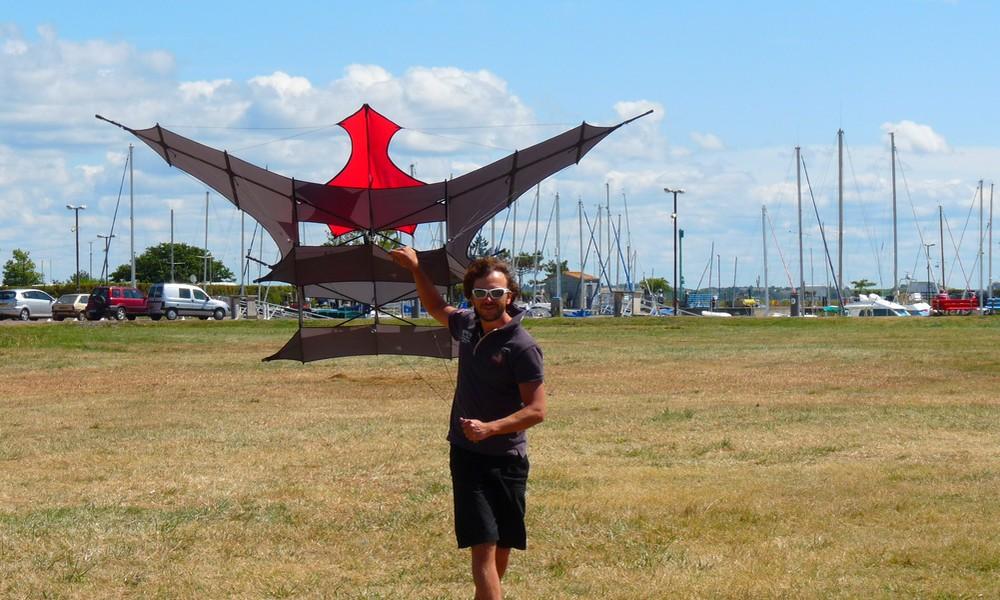 Plus de jus ? Prenez mon éolienne cerf-volant !