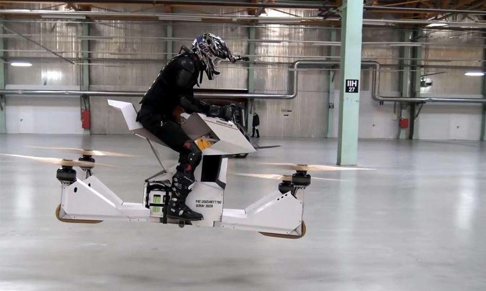 Après la voiture volante, voici la moto à hélices