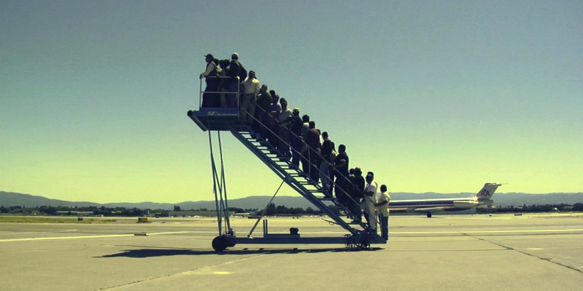 Faites votre valise, une expo vous emmène… à l'aéroport