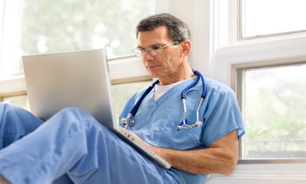 Doctor laptop