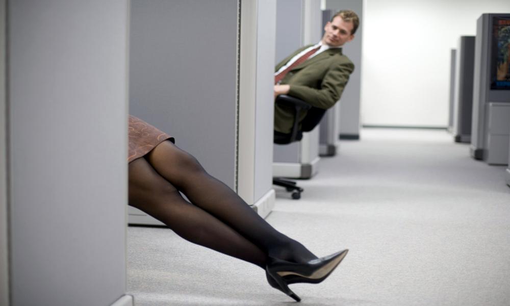 Une pause sexe au boulot ? Les fonctionnaires suédois vont dire OUIIIII !