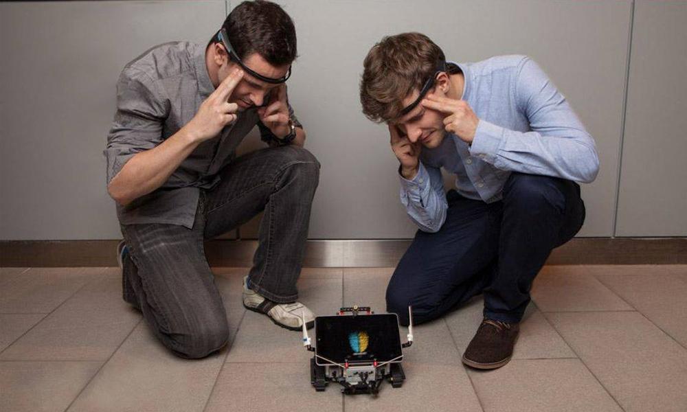 Des robots contrôlables par la pensée !