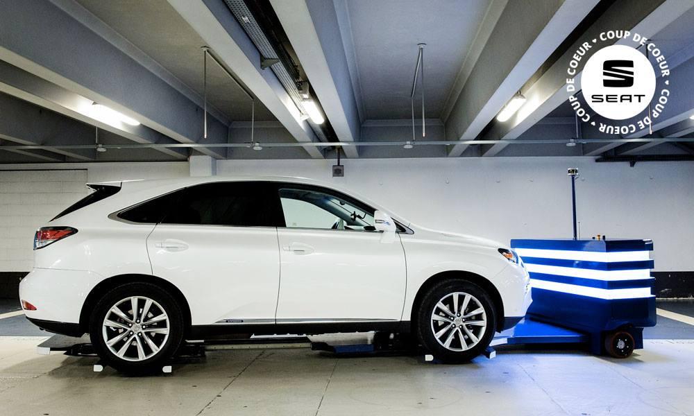 Lâchez le volant, ce robot gare votre voiture pour vous
