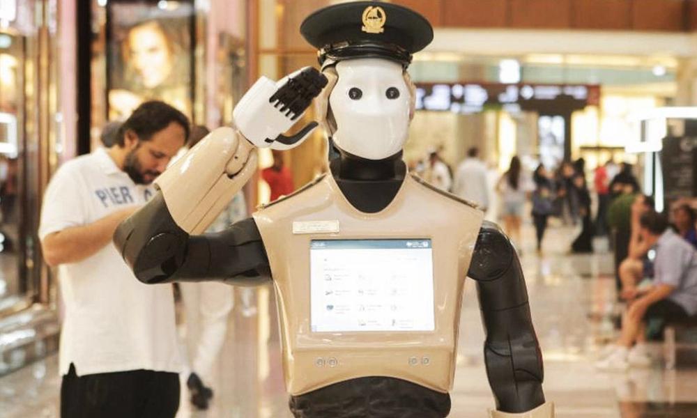 À Dubaï, des Robocops grandeur nature aident les citoyens !