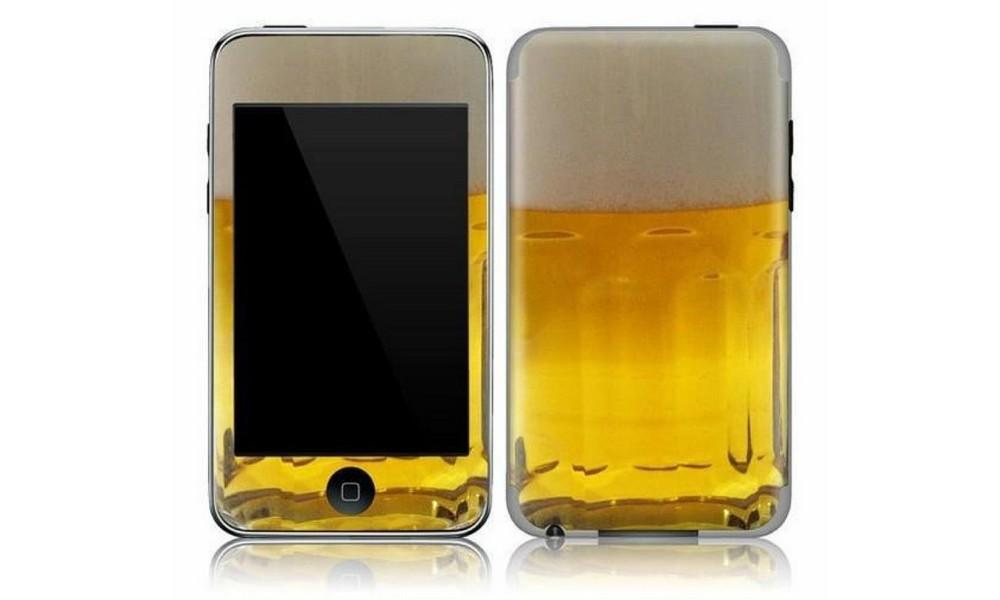 Ivres, ils inventent une batterie de smartphone grâce à la... bière