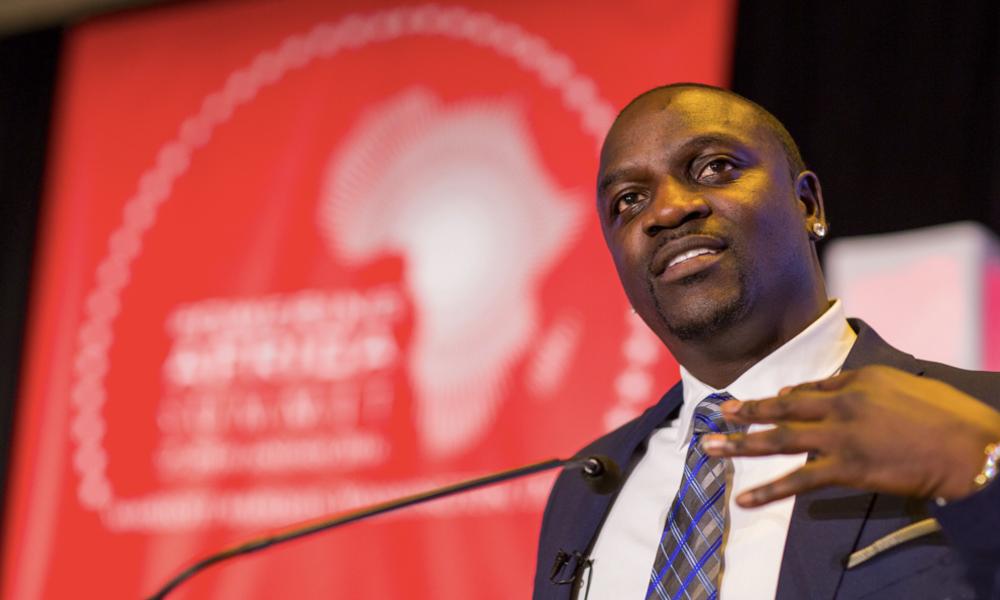 Akon, le rappeur qui veut illuminer l'Afrique avec l'énergie solaire
