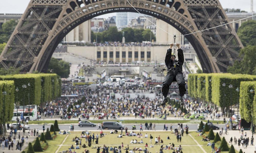 Envolez-vous à 100km/h depuis la tour Eiffel!