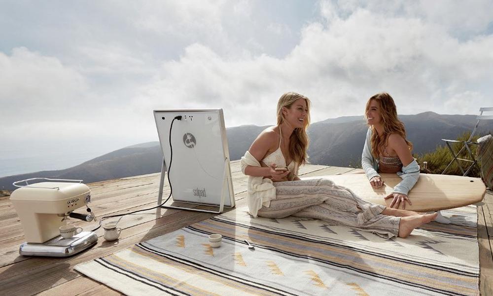 Partez au bout du monde avec ce panneau solaire portable
