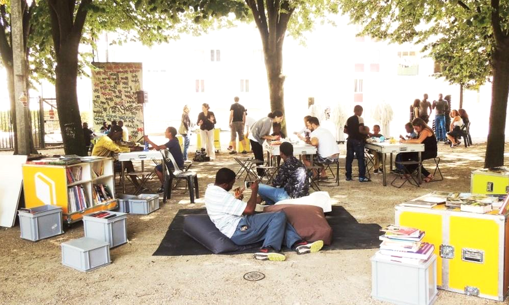 Ces bibliothèques solidaires s'installent partout en 20 minutes
