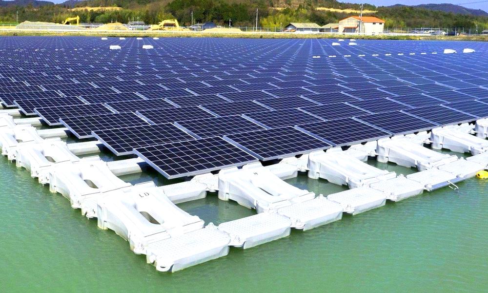 En Corée, cette ferme solaire flottante suit le soleil comme un tournesol