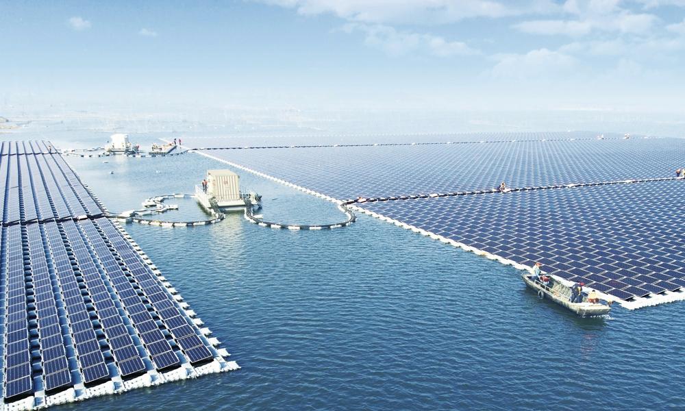 La Chine installe le plus grand parc photovoltaïque au monde... sur l'eau
