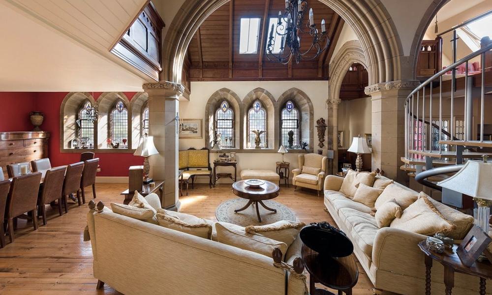 Viens chez moi, j'habite dans une église