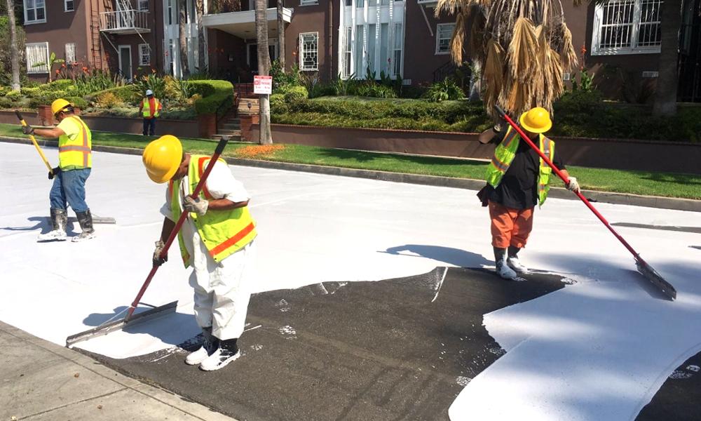 Pour limiter le réchauffement climatique, peignons les routes en blanc