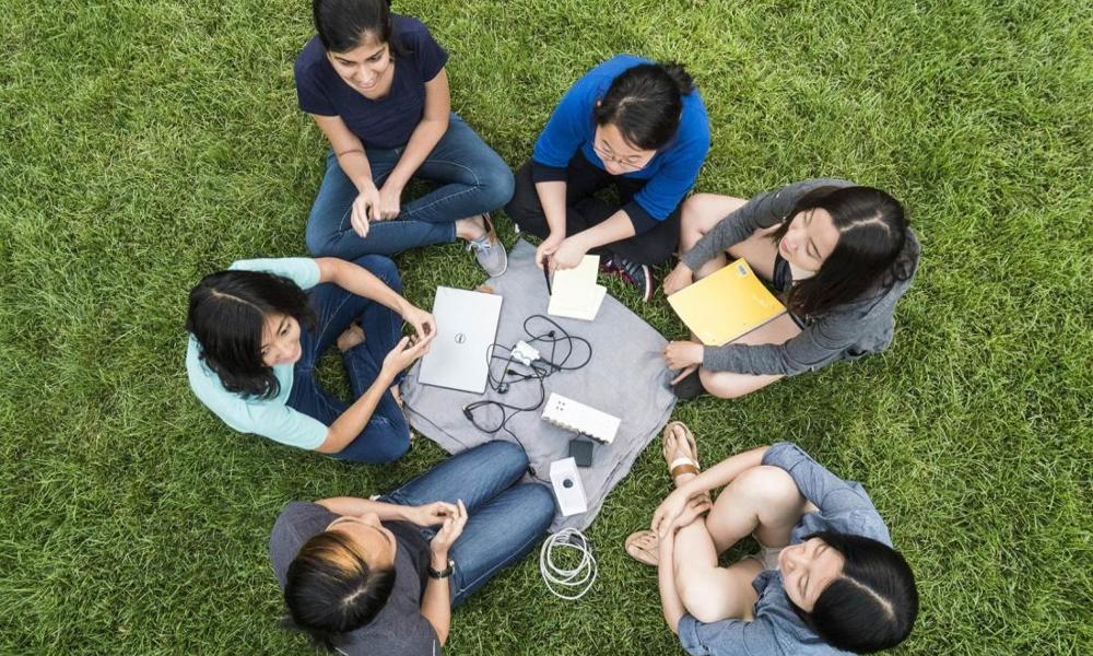 Comment 6 étudiantes ont créé un traducteur en braille instantané