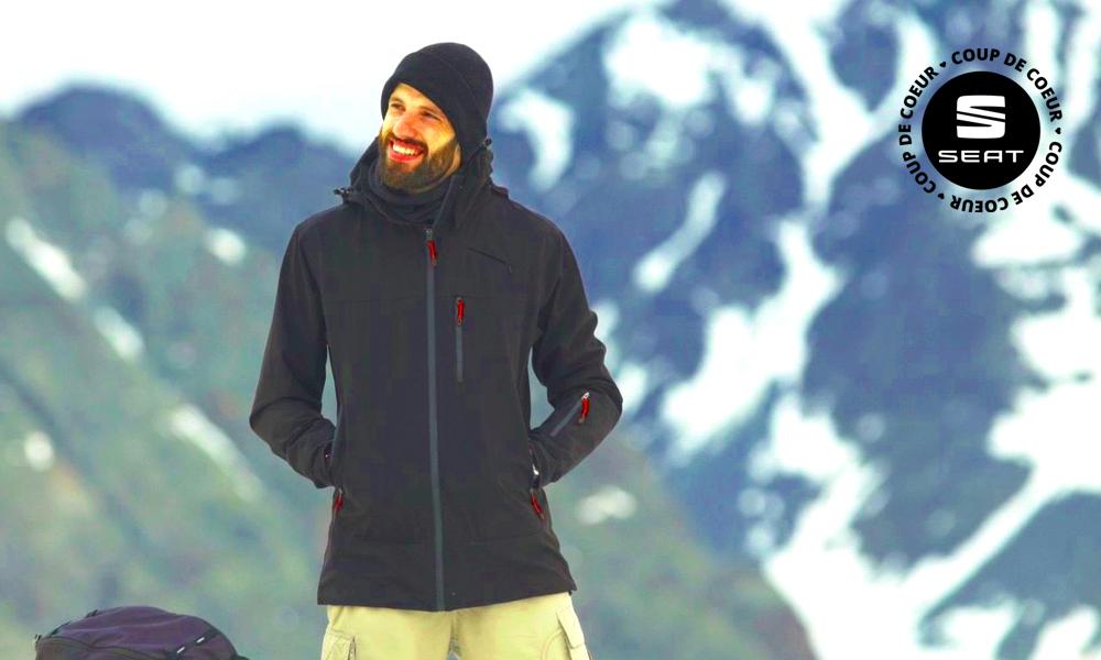 Alon a failli mourir en montagne, alors il a créé un manteau pour les aventuriers