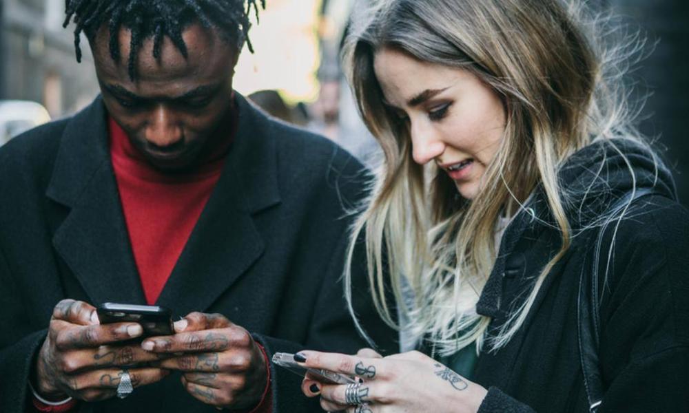 Comment Tinder est en train de mettre fin au racisme