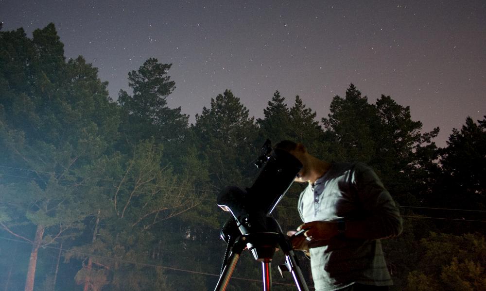 Peut-être parce qu'il est français, ce télescope voit 100 fois plus loin que les autres