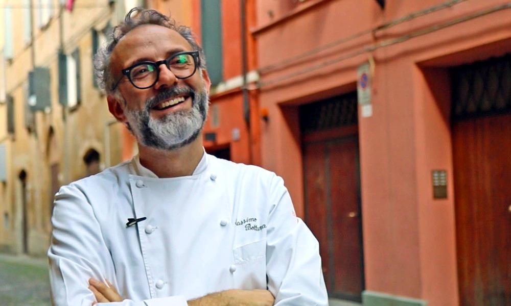 Massimo Bottura, le chef étoilé qui veut ouvrir un resto solidaire à Paris