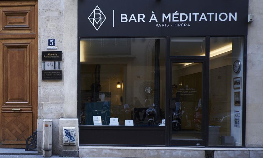 On a testé le premier bar à méditation de Paris