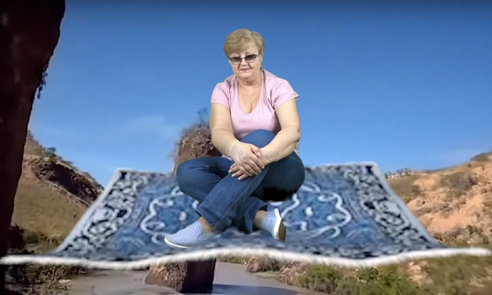 À 62 ans, cette mamie devient la Youtubeuse la plus WTF de Russie