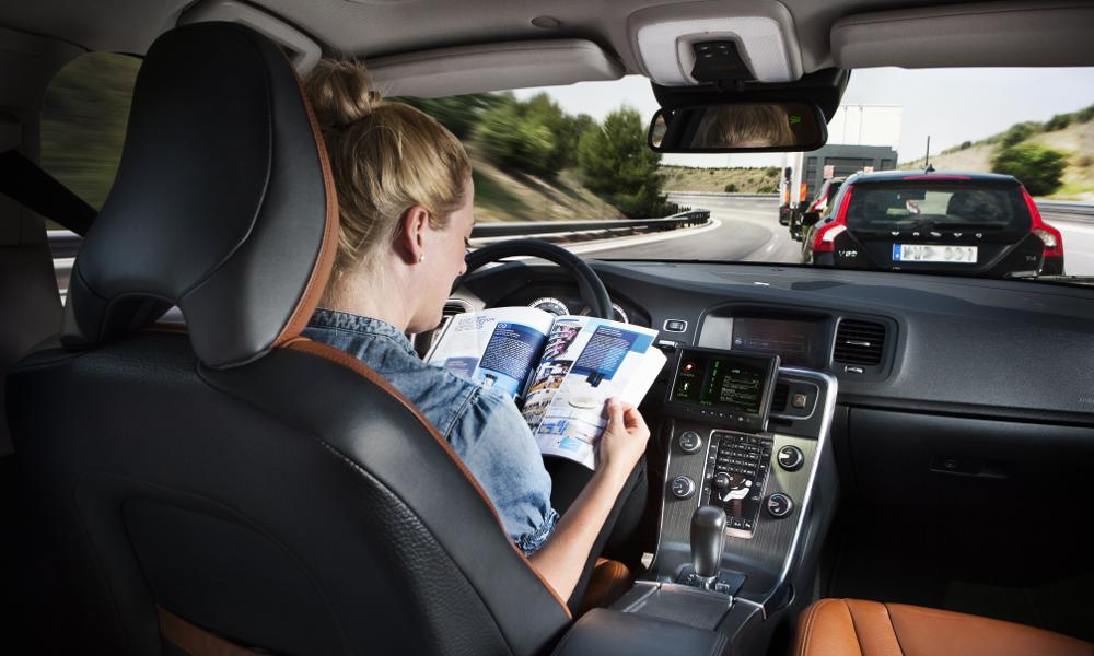 Selon cette entreprise, la voiture autonome conduira mieux que les humains dès 2024