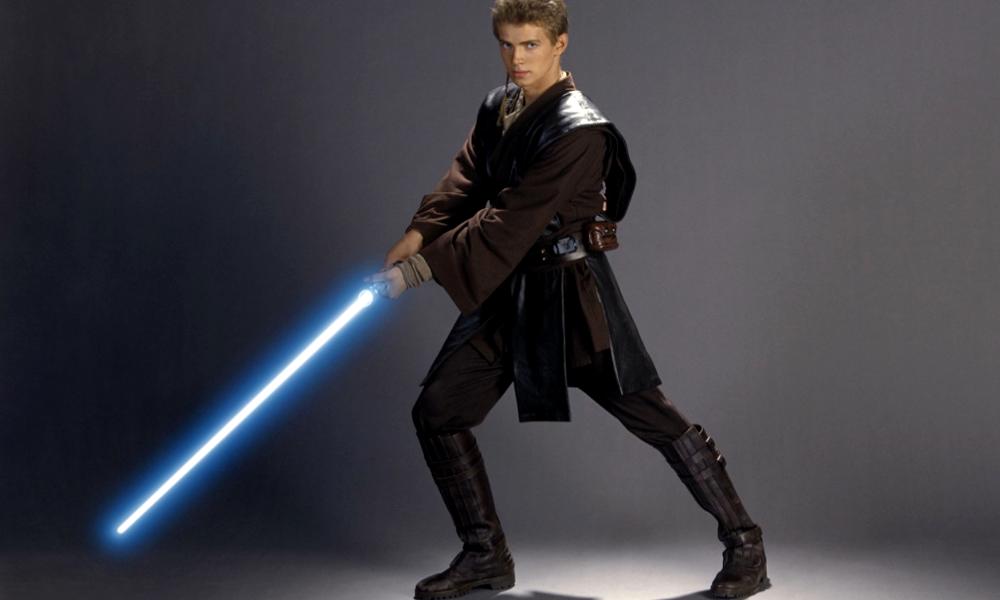Un Américain a fabriqué le véritable sabre laser des Jedi, et il tranche tout