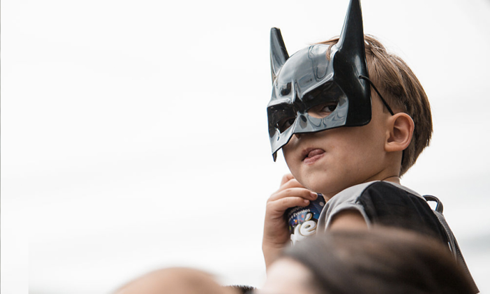 Trop fort : les enfants qui jouent à Batman sont plus persévérants