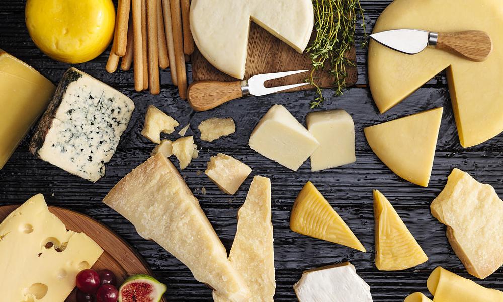 Sauter le dessert pour se gaver de fromage serait bon pour la santé
