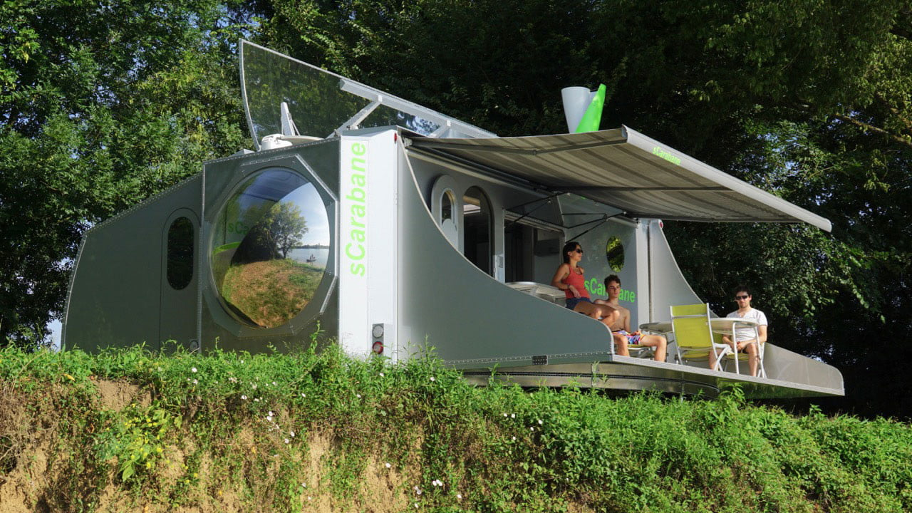 Partir n'importe où avec cette caravane du futur qui se transforme en maison