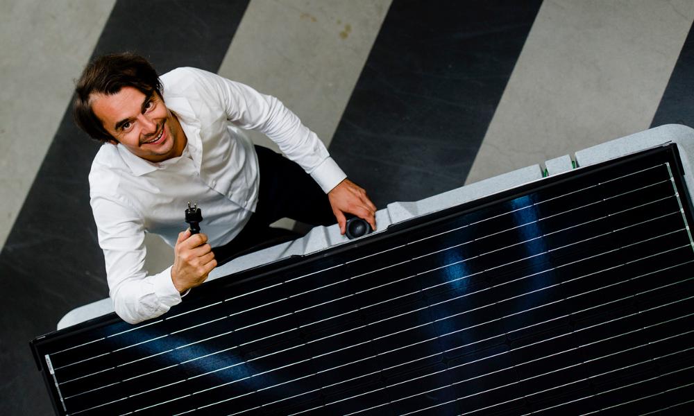 Ce Hollandais a inventé le panneau solaire qui s'installe en 15 minutes top chrono