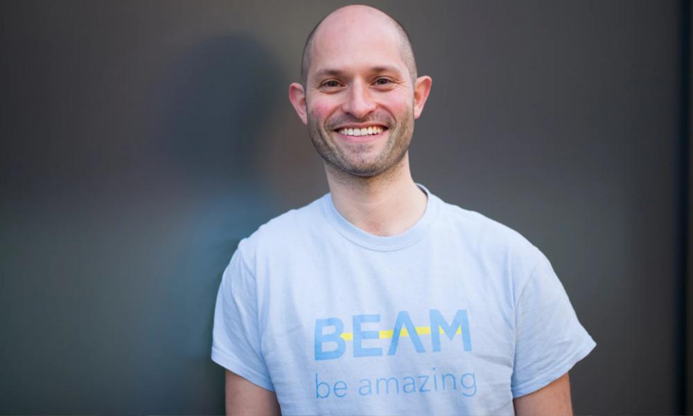 Alex a lancé un site de crowdfunding pour aider les SDF à retrouver un job