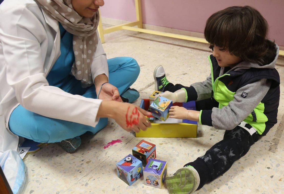Grâce à MSF, des prothèses en 3D pour les réfugiés