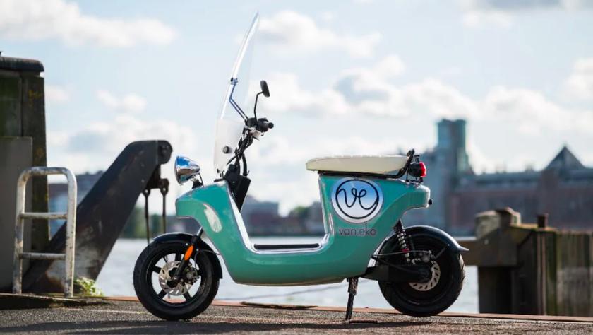 Des Hollandais inventent un scooter électrique fabriqué à base de… beuh