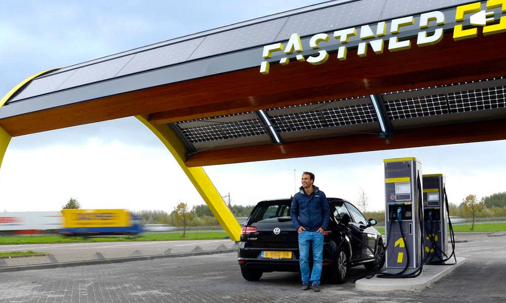 Les stations de recharge électriques arrivent enfin en Europe