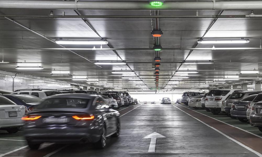 L'Allemagne invente un parking où les voitures se garent toutes seules