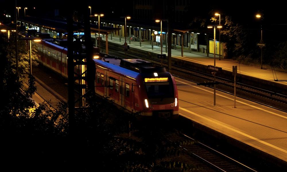 Plus rapides et moins polluants : faut-il réintroduire les trains de nuit ?