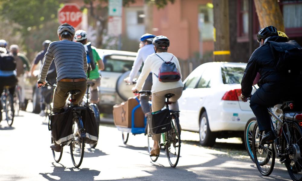 Partir ensemble au boulot à vélo, nouvelle tendance pour éviter les grèves