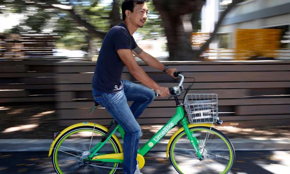Ce roi du vélo électrique veut nous faire rouler dans des voitures de golf