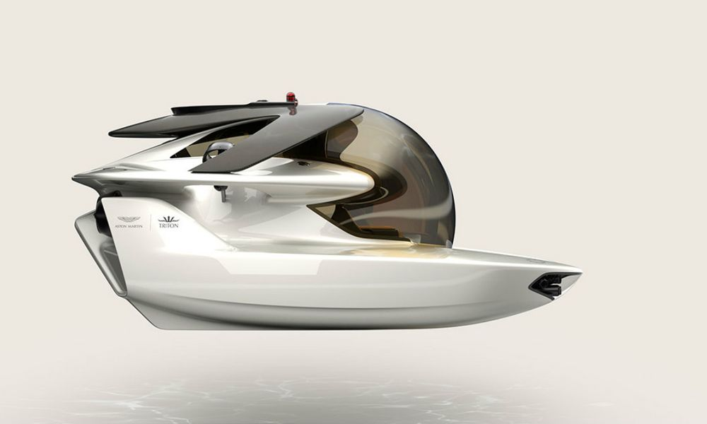 """Pour les vacances, un sous-marin """"familial"""" à 4 millions d'euros"""