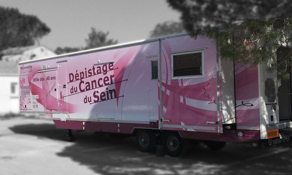 """La """"Mammobile"""" parcourt la France pour dépister le cancer du sein"""